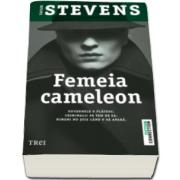 Taylor Stevens, Femeia cameleon