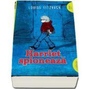 Colectia Funny Green, Harriet spioneaza