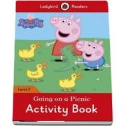 Peppa Pig: Going on a Picnic Activity Book. Ladybird Readers Level 2