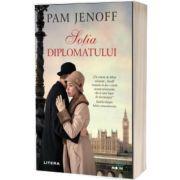 Sotia diplomatului, Pam Jenoff