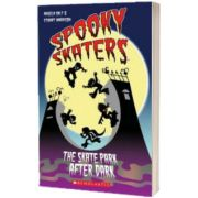 Spooky Skaters plus Audio CD, Angela Salt, SCHOLASTIC